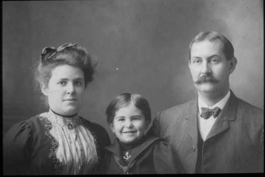 Grace Miner Lippincott pictured with son, Whitney and husband Levi c. 1900